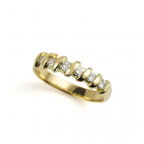 18k Yellow Gold Round Brilliant Cut Diamond Half Eternity Ring